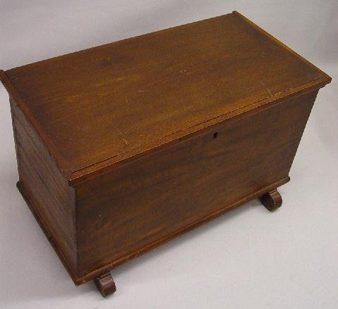 393: SMALL COUNTRY BLANKET CHEST. Refinished poplar wit