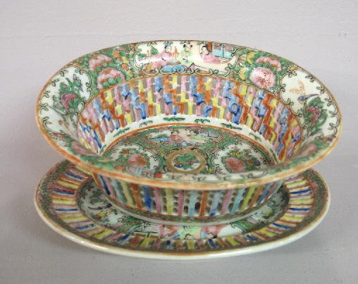 15: ROSE MEDALLION RETICULATED BOWL WITH UNDERPLATE. Ma