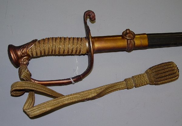 386: NAVAL OFFICER'S SWORD WITH SCABBARD AND
