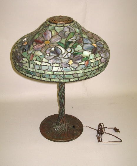 3: TABLE LAMP. Leaded glass shade has a flower design i