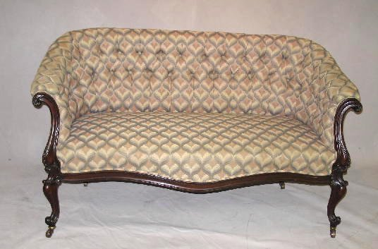 5: SETTEE. Mahogany with tufted back upholstery. Cabrio