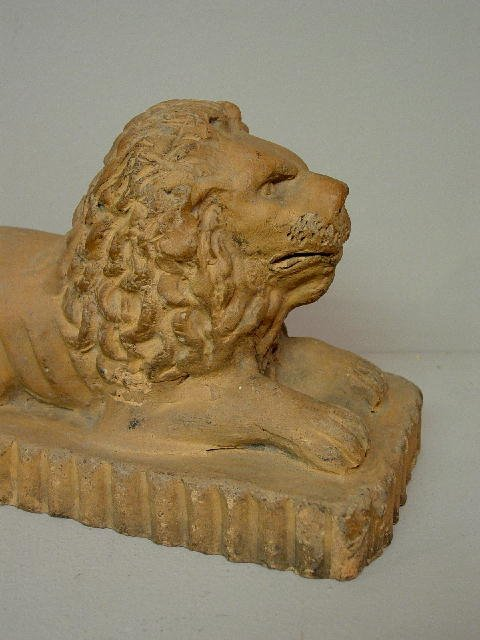 6: SEWERTILE LION WITH RARE MARKS. Hand molded and tool - 7