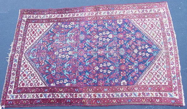 439: ORIENTAL RUG. Malayer. Ivory border and spandrels