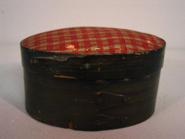 445: BALEEN OVAL BOX. Three fingers on the base, one on
