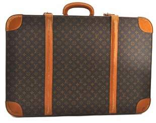 Authentic LOUIS VUITTON  Trunk Case