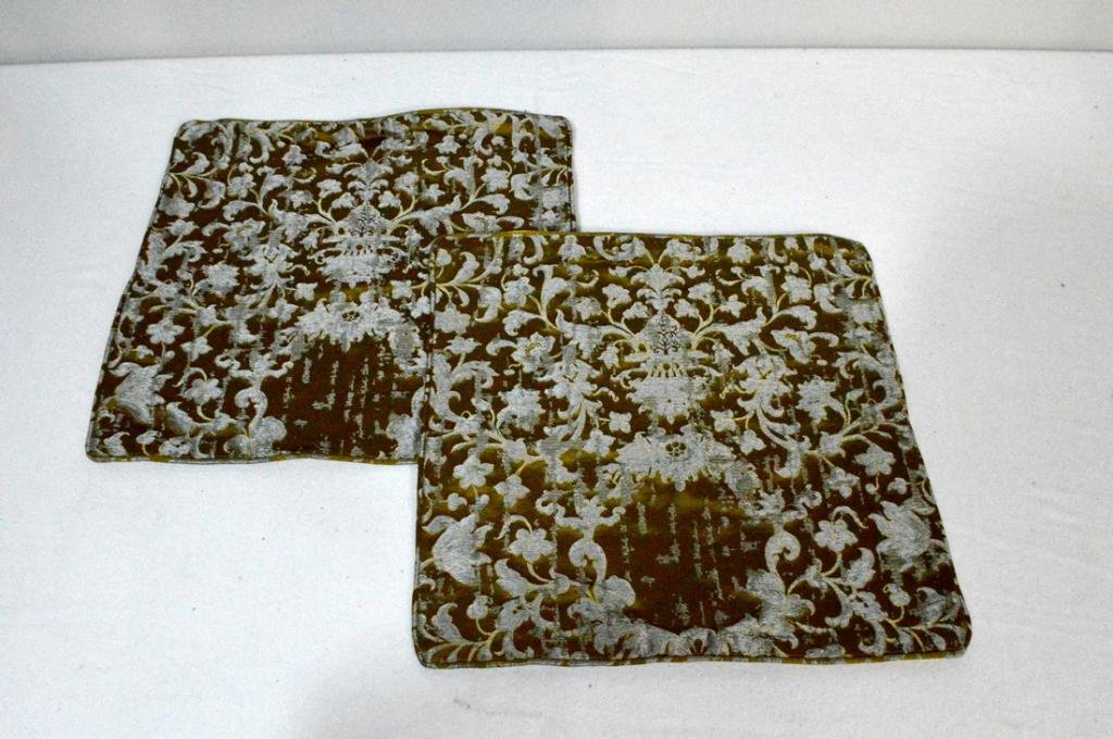 Pair of Fortuny Throw Pillow Cases