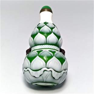 RARE CHINESE GLASS SNUFF BOTTLE LOTUS DOUBLE GOURD