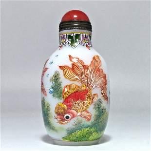 FINE CHINESE ENAMEL ON GLASS SNUFF BOTTLE GOLDFISH