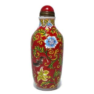 CHINESE ENAMEL GLASS SNUFF BOTTLE QIANLONG RED GROUND