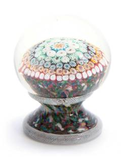 AN INTERESTING FOOTED GLASS MUSHROOM PAPERWEIGHT with
