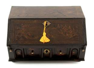 A WILLIAM AND MARY CHINOISERIE LACQUERED TABLE BUREAU