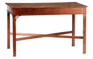 A GOOD MID 18TH CENTURY CHIPPENDALE STYLE MAHOGANY