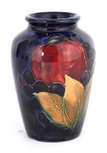 A 1930S MOORCROFT SMALL SHOULDERED OVOID VASE deco