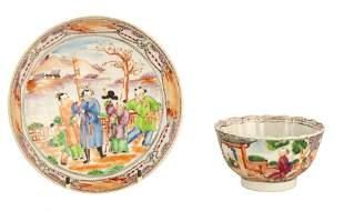AN EARLY 19TH CENTURY NEW HALL PORCELAIN TEA CUP A