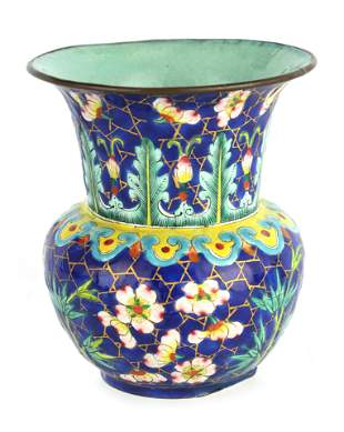 AN EARLY 19TH CENTURY CHINESE ENAMEL VASE of bulbo