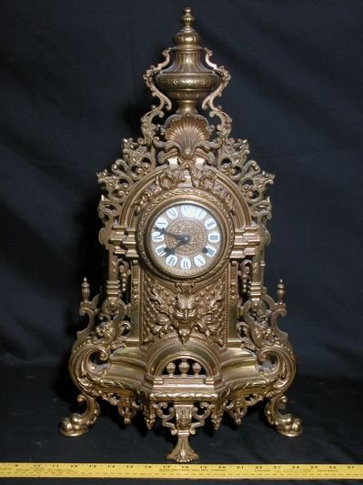 709: French brass mantle clock