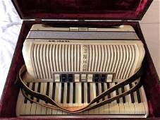 Hohner Verdi III M Accordion w/Case