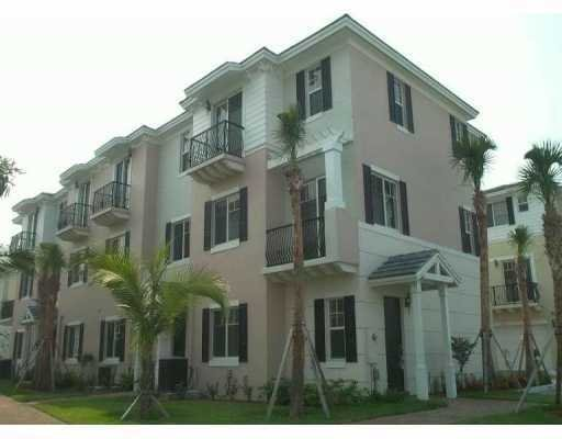 12: Unbelievable New Townhome in Boca Raton, FL