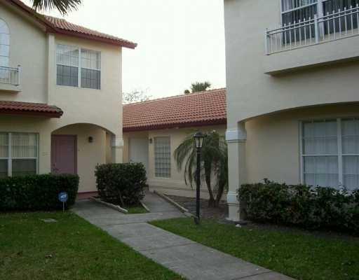 13: Remodeled 1 Story Townhome, Pembroke, FL