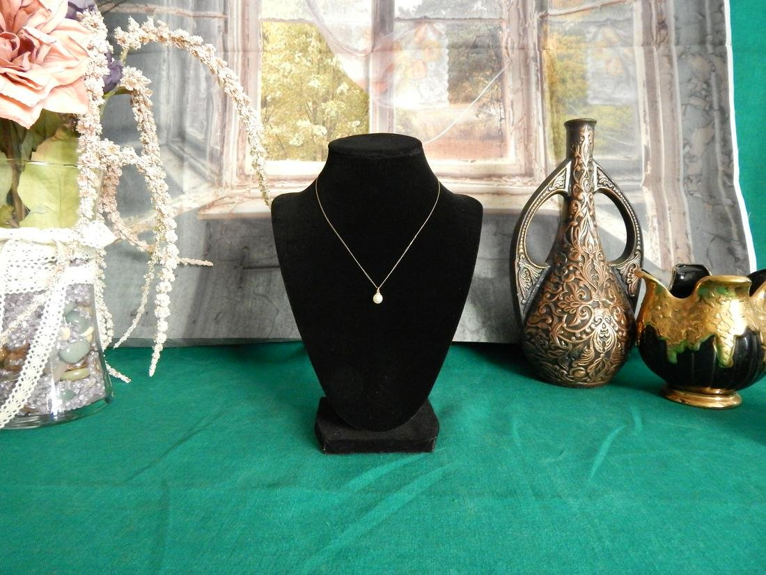 14K Gold 15inch Necklace w/ Genuine Pearl