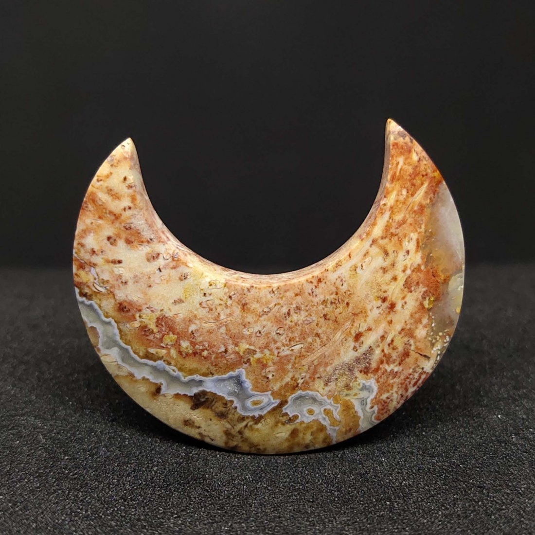 14.60 ct Natural Red Palm Root Crescent Moon Shape