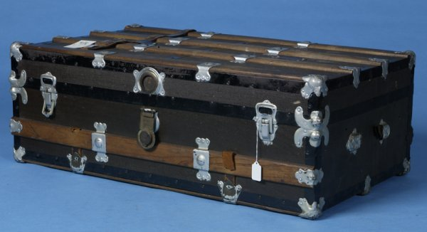 413: Early 20th Century Wooden Flat Top Trunk