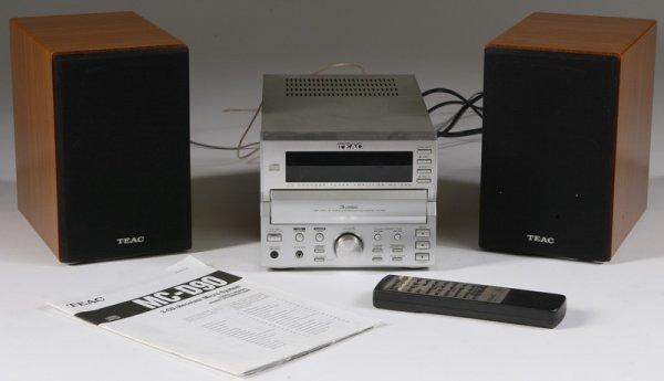 1011: Teac Model MC-90 Amplifier/Tuner/CD Player