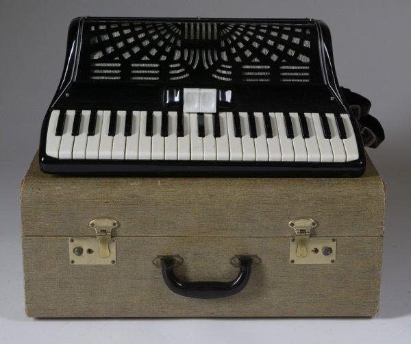 154: Vintage Enrico Roselli Piano Accordion