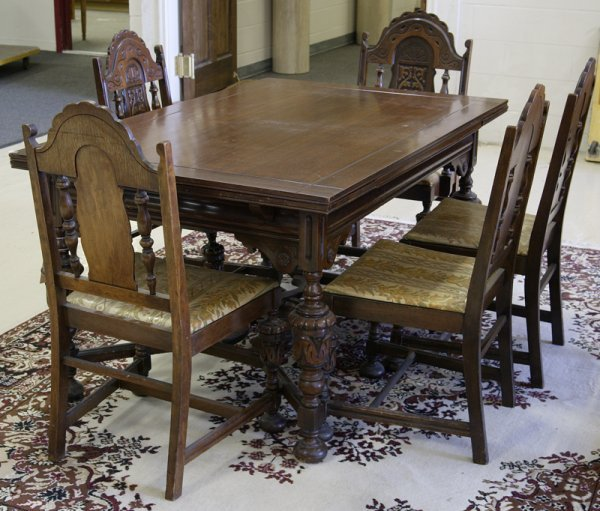 473: Renaissance Revival Style Table & Chairs