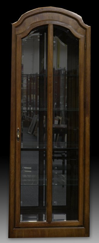 618: Very Fine Bunching Curio Cabinet
