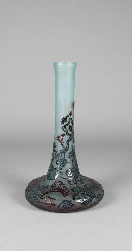 563: Le Verre Art Deco Cameo Vase