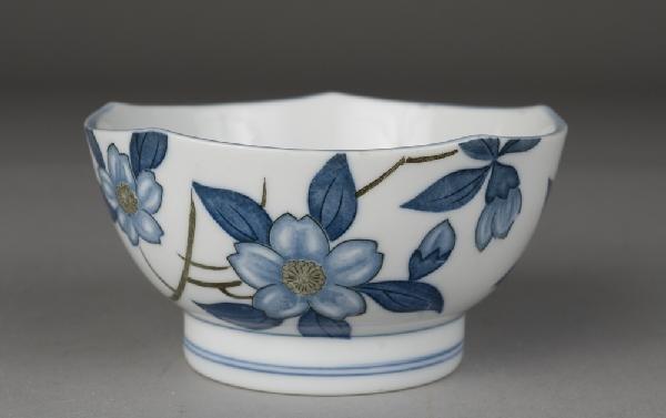 13: Japanese Porcelain Tea Bowl