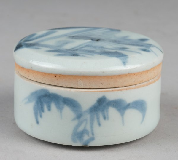 455A: Chinese Blue & White Covered Jar - Cargo Find
