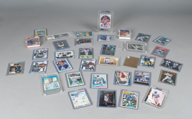 12: Grouping of Collectible Baseball Cards