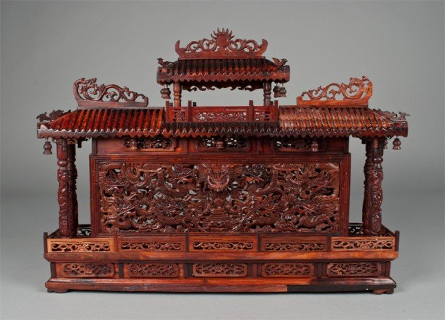 21: A Very Fine Chinese Carved Boxwood Wall