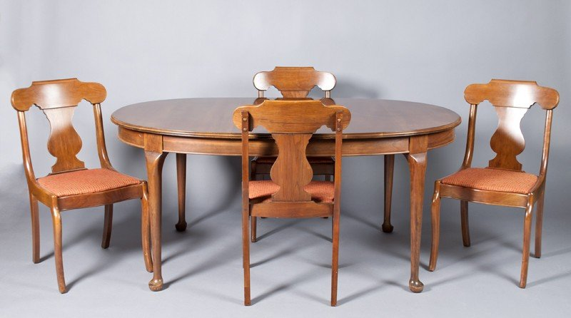 16: (9) Piece Pennsylvania House Dining Set