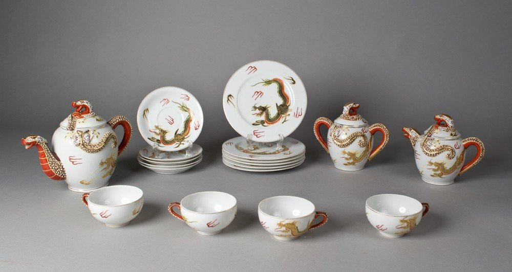 702: (18) Piece Kutani Porcelain Dragon Wear Tea Set