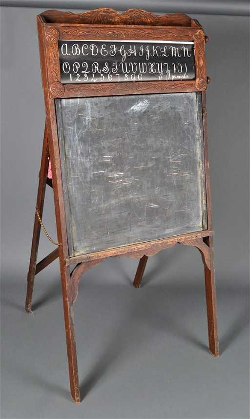 351 Child S Antique Easel Chalkboard
