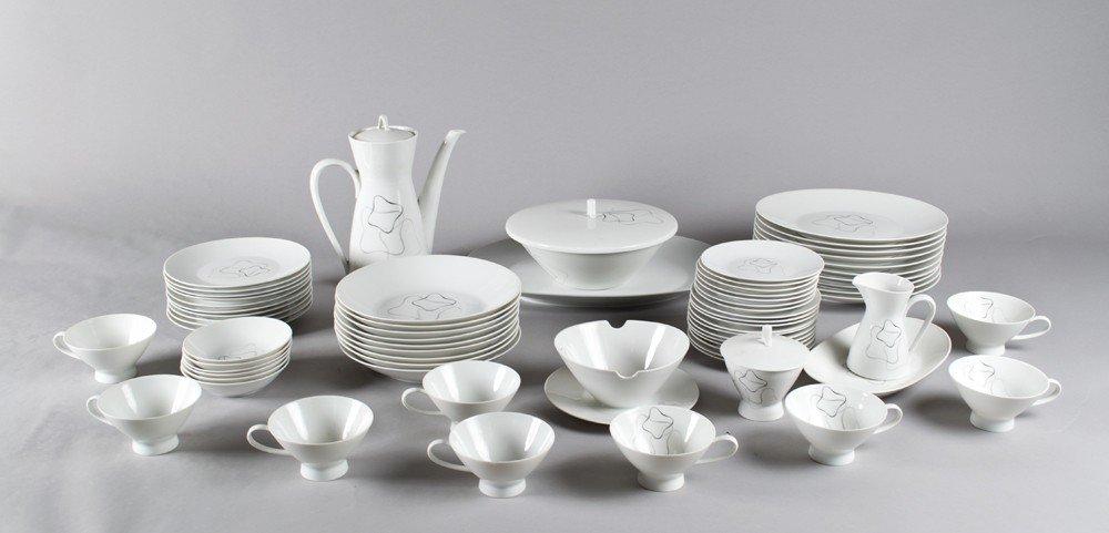 661: (69) Piece Rosenthal Porcelain Dinner Set