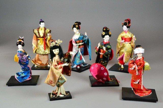 ( 7 ) JAPANESE PORCELAIN  DOLLS
