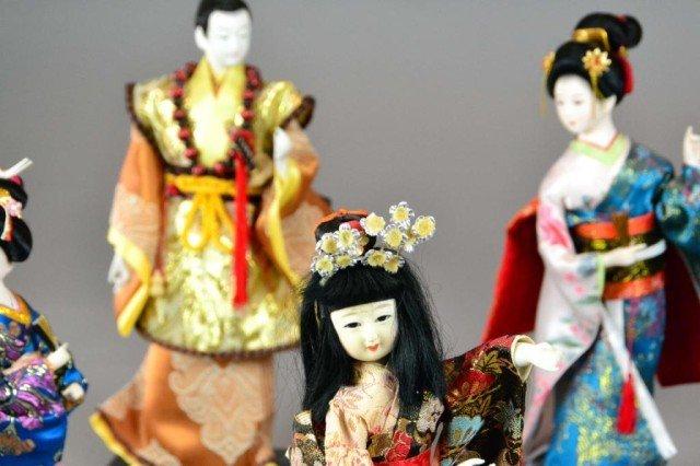 ( 7 ) JAPANESE PORCELAIN  DOLLS - 3