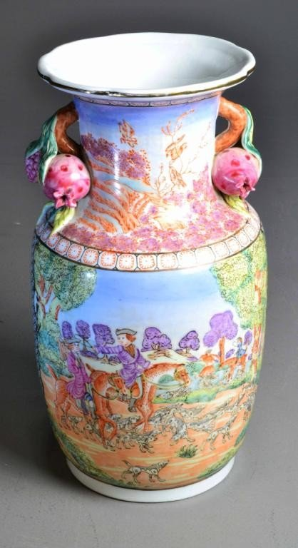 LARGE CHINESE HUNTING SCENE VASE