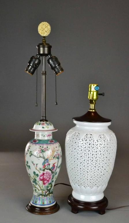 (2) CHINESE PORCELAIN LAMPS