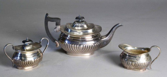 (3)REVERE STYLE SHEFFIELD SILVERPLATED TEA SET