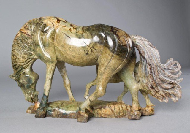 151: A Fine Chinese Carved Jade Horse Sculpture - 2