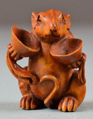 550: A Fine Japanese Carved Boxwood Netsuke