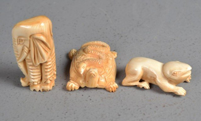 552: (3)Japanese Carved Ivory Netsuke