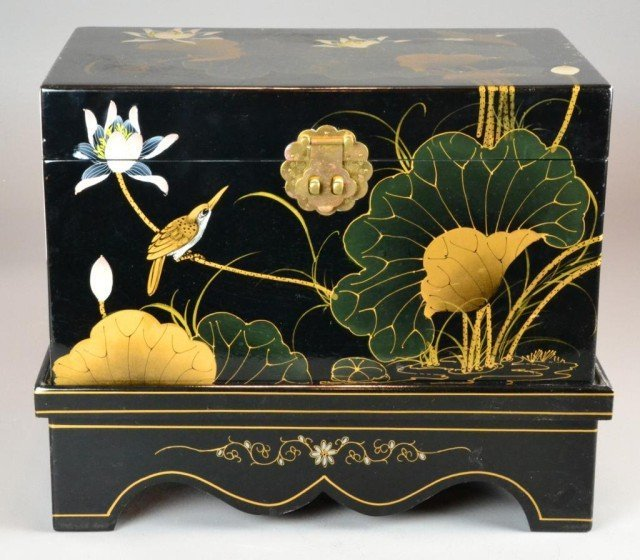 10: A Chinese Black Lacquer Trunk
