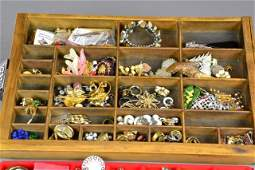 467 over 100 Pcs Large Lot of Costume Jewelry