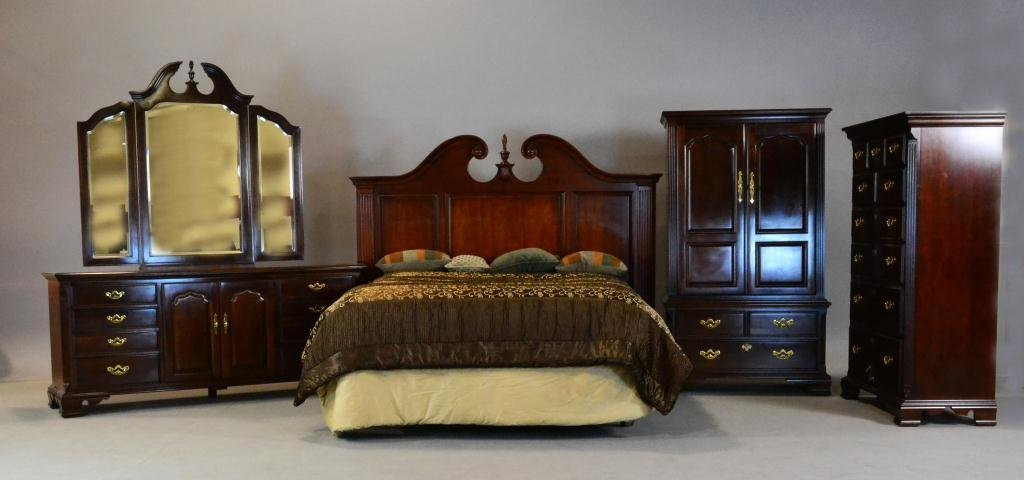 1: (8) Pcs. Thomasville Chippendale Bedroom Suite